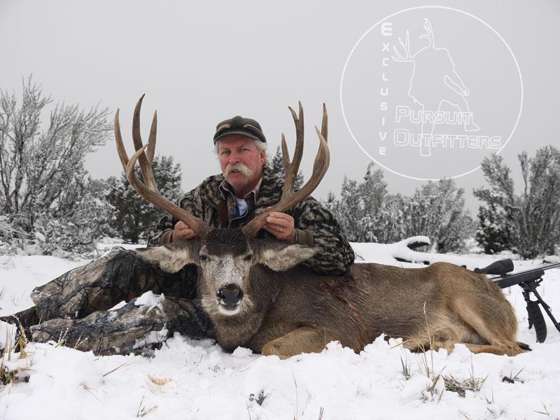Jeff Vaughn with his 2013 Arizona Strip Mule Deer.